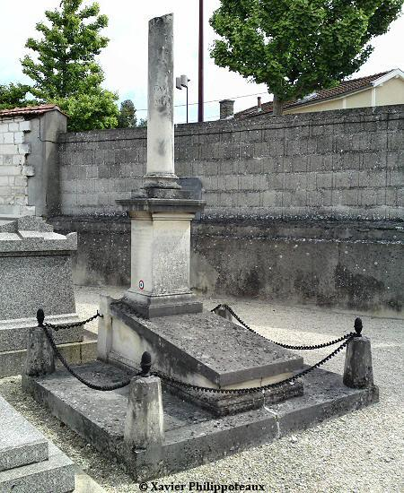 monument au morts de 1870 de la commune de ch lons en. Black Bedroom Furniture Sets. Home Design Ideas
